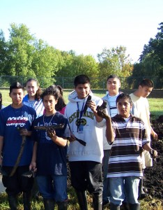 Students with bones from 2008 bison
